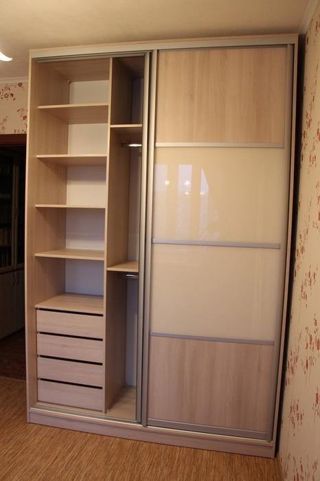Встроенные шкафы-купе-Шкаф-купе из стекла Лакобель «Модель 21»-фото2