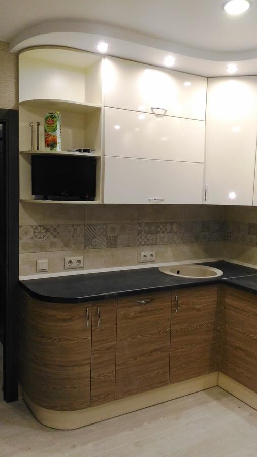 Белый кухонный гарнитур-Кухня МДФ в ПВХ «Модель 36»-фото1