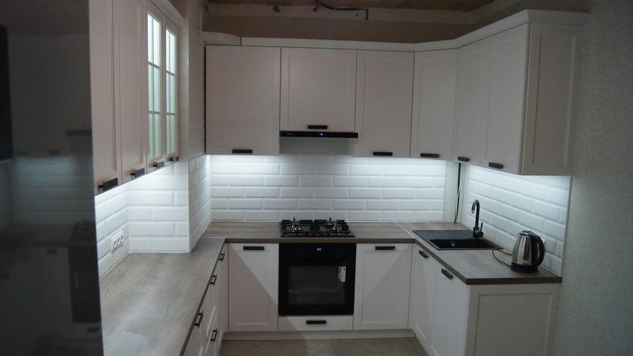 Белый кухонный гарнитур-Кухня МДФ в эмали «Модель 202»-фото1