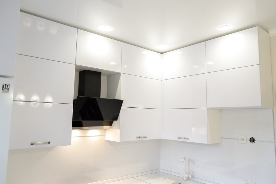 Белый кухонный гарнитур-Кухня из пластика «Модель 142»-фото3