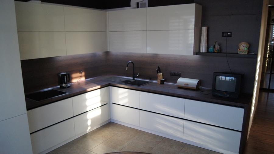 Белый кухонный гарнитур-Кухня из пластика «Модель 270»-фото1