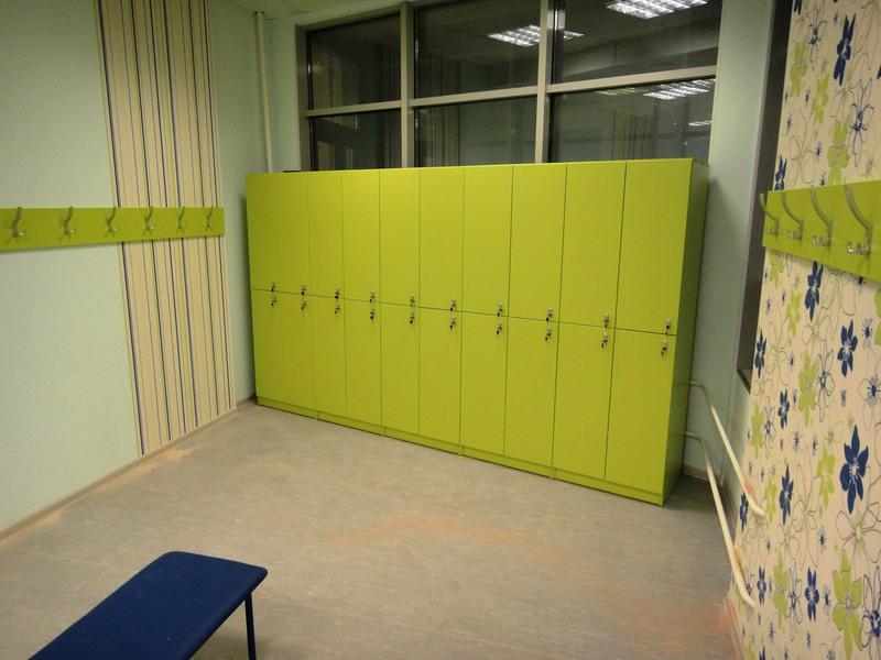 Торговая мебель-Шкафчики для раздевалки «Модель 168»-фото1