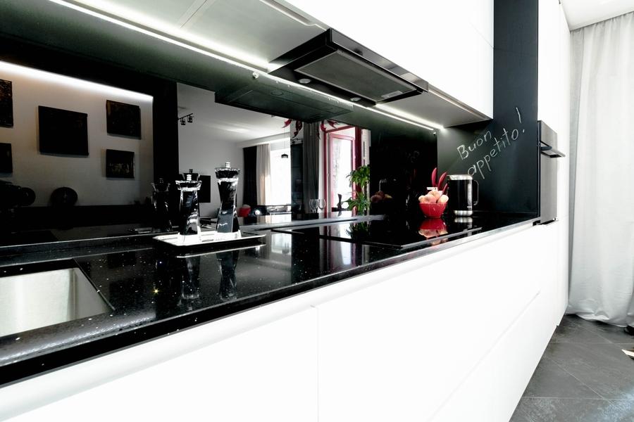 Белый кухонный гарнитур-Кухня из пластика «Модель 343»-фото2