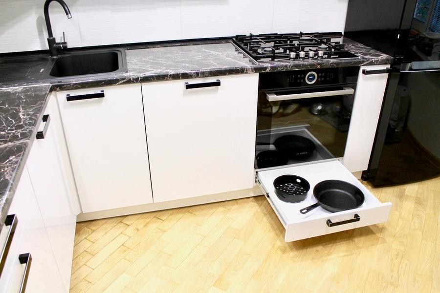 Белый кухонный гарнитур-Кухня МДФ в ПВХ «Модель 300»-фото5