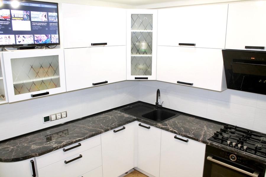 Белый кухонный гарнитур-Кухня МДФ в ПВХ «Модель 300»-фото3