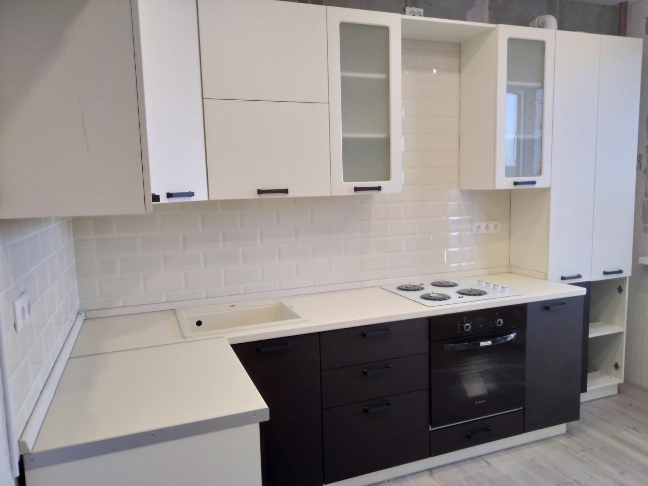 Белый кухонный гарнитур-Кухня МДФ в ПВХ «Модель 545»-фото3