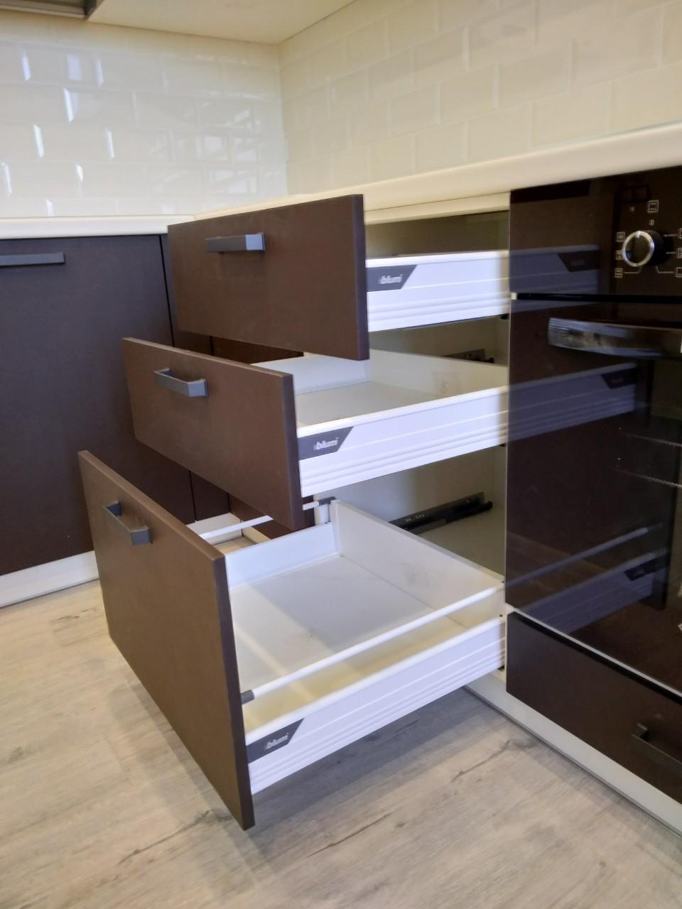 Белый кухонный гарнитур-Кухня МДФ в ПВХ «Модель 545»-фото7