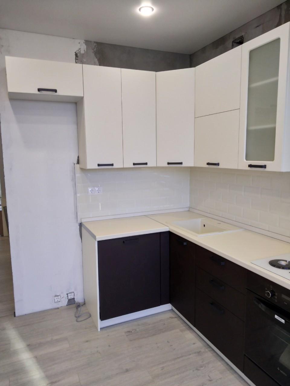 Белый кухонный гарнитур-Кухня МДФ в ПВХ «Модель 545»-фото2