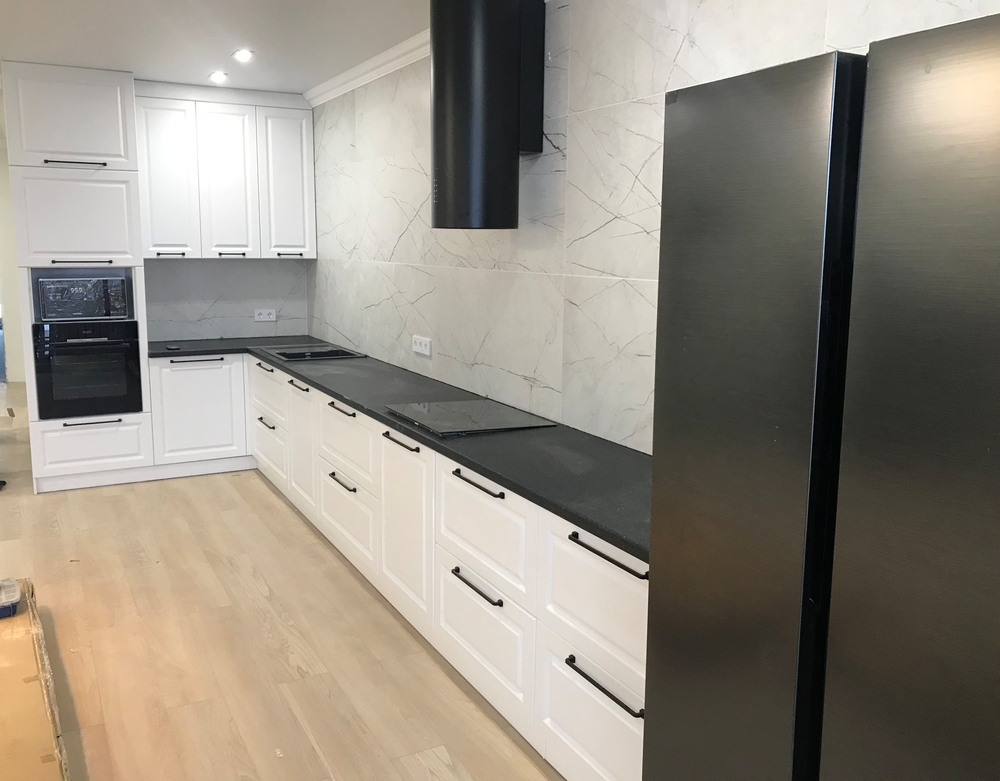 Белый кухонный гарнитур-Кухня МДФ в ПВХ «Модель 553»-фото2