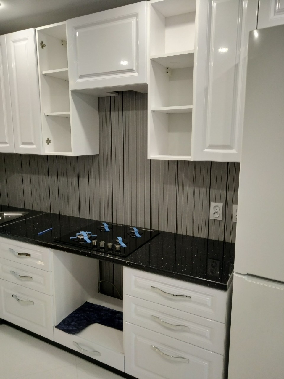 Белый кухонный гарнитур-Кухня МДФ в ПВХ «Модель 533»-фото4