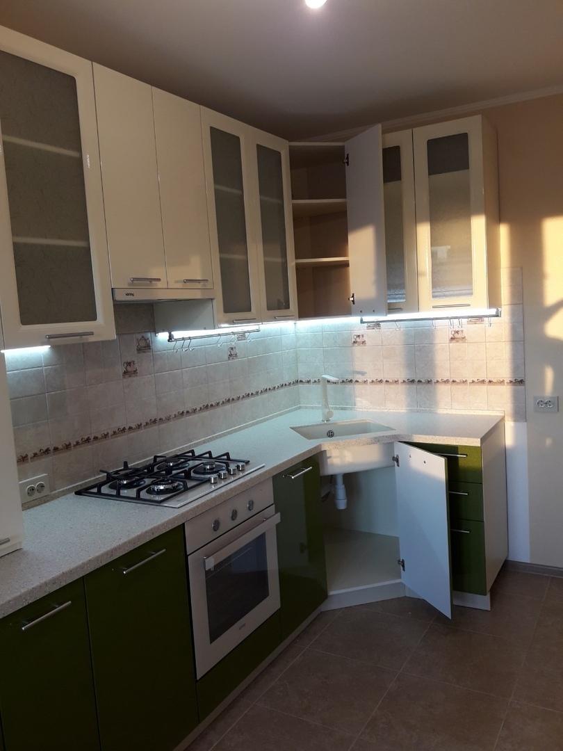 Белый кухонный гарнитур-Кухня МДФ в ПВХ «Модель 528»-фото4
