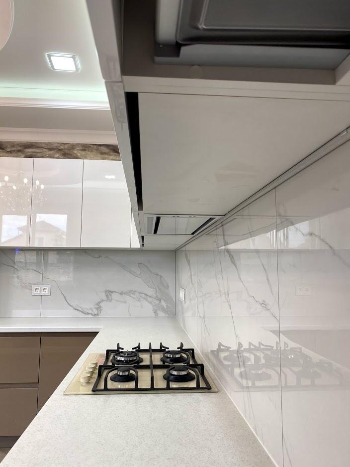 Белый кухонный гарнитур-Кухня МДФ в эмали «Модель 565»-фото4