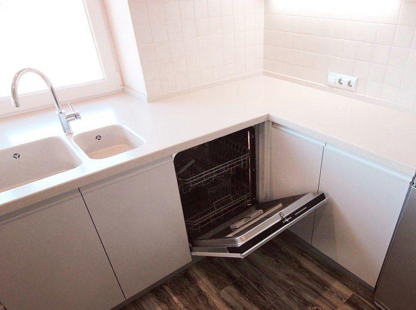 Белый кухонный гарнитур-Кухня из пластика «Модель 665»-фото4