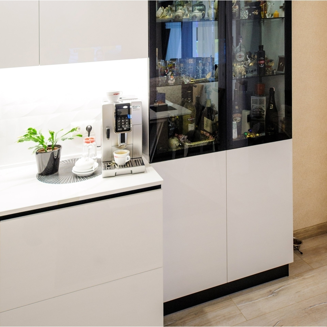 Белый кухонный гарнитур-Кухня МДФ в эмали «Модель 606»-фото3