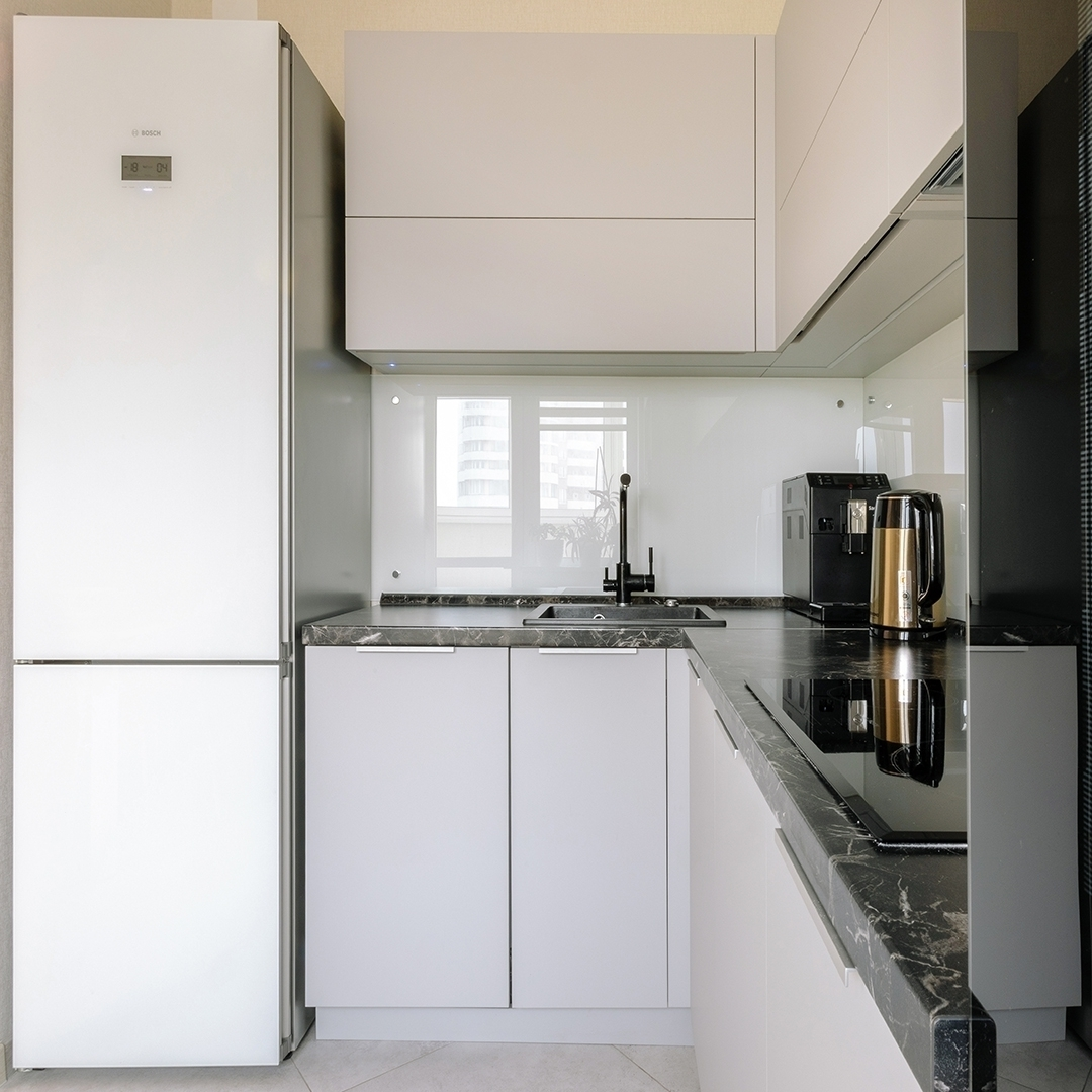 Белый кухонный гарнитур-Кухня из пластика «Модель 610»-фото2