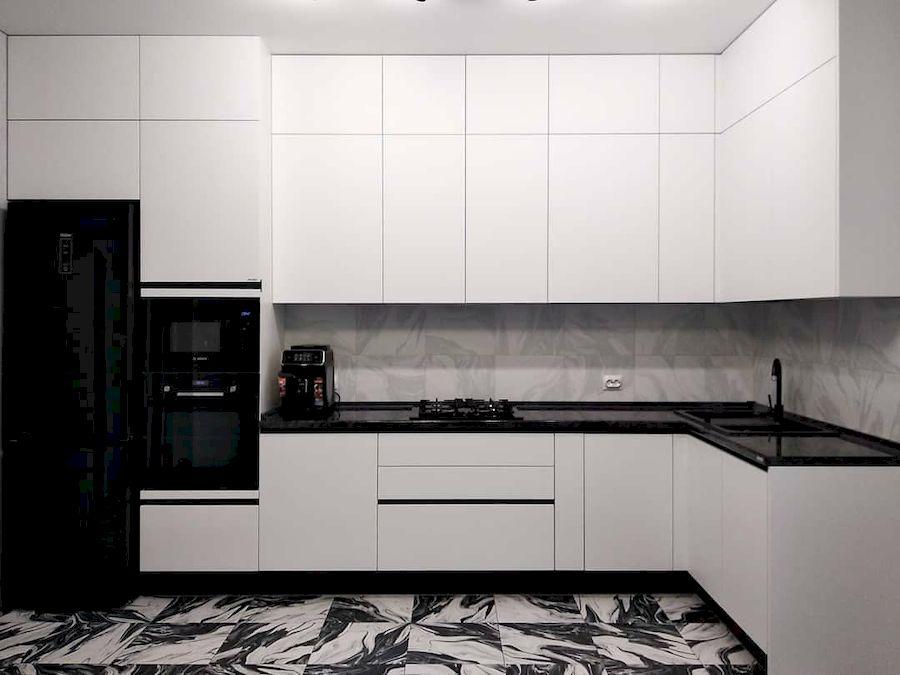 Белый кухонный гарнитур-Кухня МДФ в ПВХ «Модель 639»-фото3