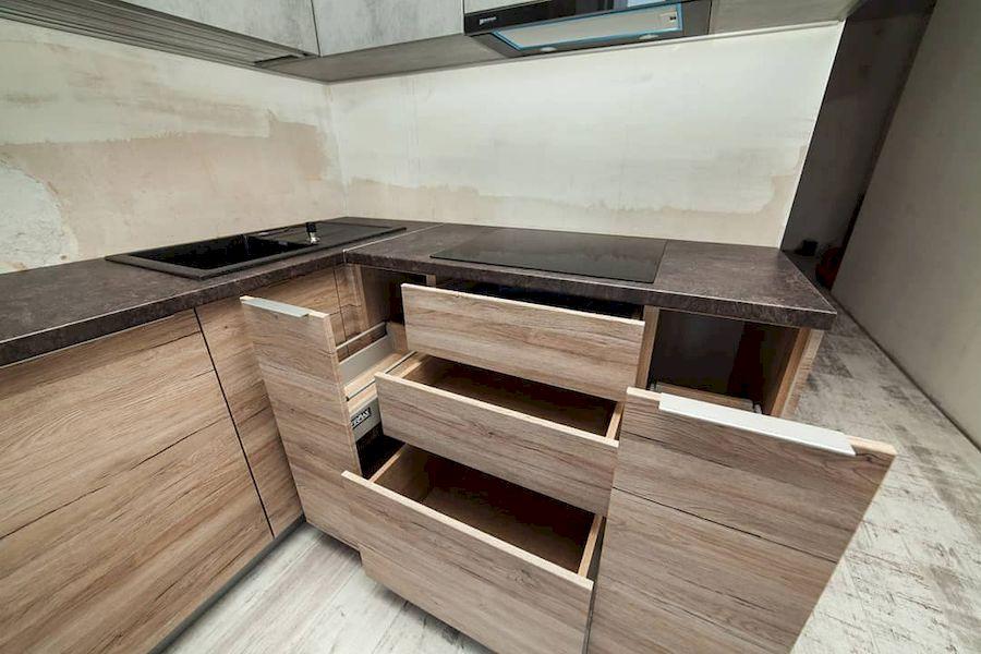 Высокие кухни под потолок-Кухня из ЛДСП «Модель 643»-фото6