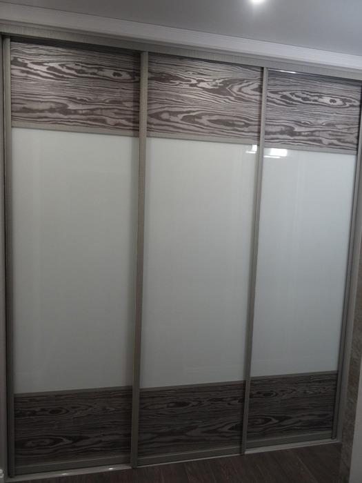 Большой шкаф-купе-Шкаф-купе из стекла Лакобель «Модель 51»-фото1